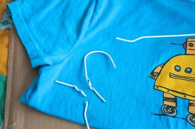 Как сделать кошке домик своими руками из футболки